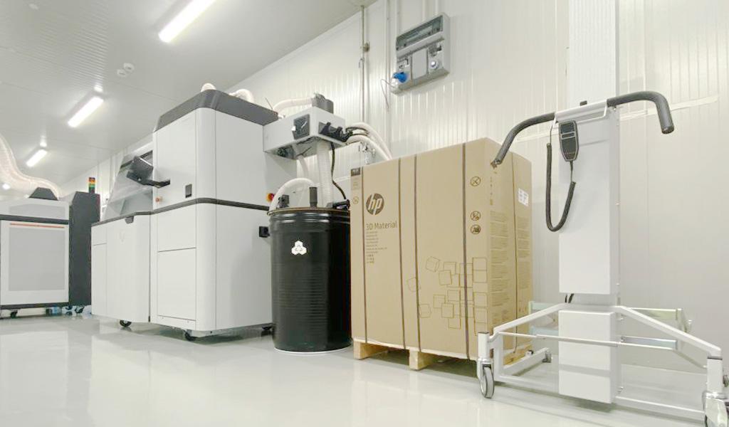 NIUO-stampa3d-piegaturalamiera-ufficio-PProduzione